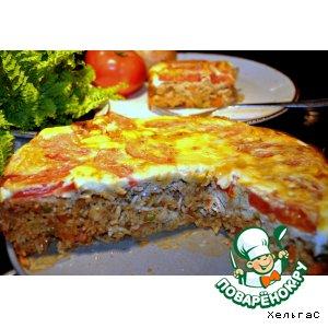 Рисовая запеканка-пирог с рыбой и томатами