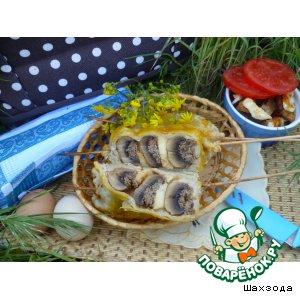 Шампиньоны с фаршем и сыром в тесте