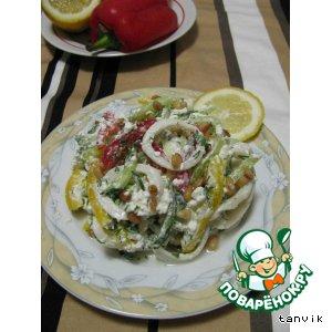 Салат с творогом и кальмарами