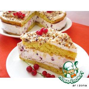 Торт с орехами и красной смородиной