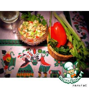 Салат из сельдерея, индейки и яблока