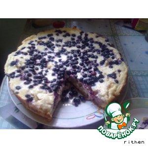 Пирог с грушами, ягодами и творогом