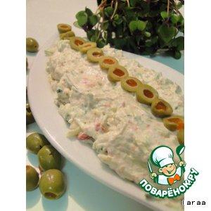 Сырный дип с оливками и огурцом