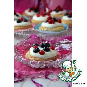 Орегано-шорткейки с ягодами