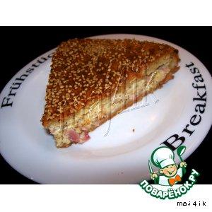 Сырный пирог с ветчиной и плавлеными сырками