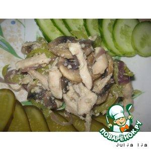 Нежная куриная грудка с шампиньонами и овощами
