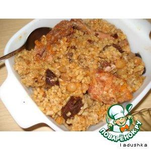 Сладкий плов из курицы, с рисом и сухофруктами