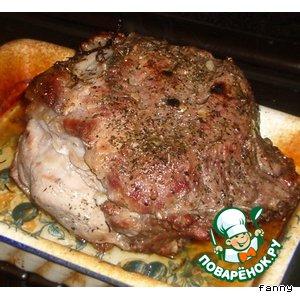 Свинина, запеченная с травами