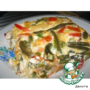 Зеленая фасоль, запеченная с яйцами и помидорами