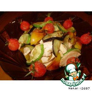 Теплый салат с копченой курочкой