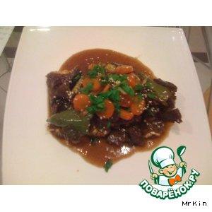 КАЛЬБИ ТИМ – говяжьи ребра тушенные с овощами