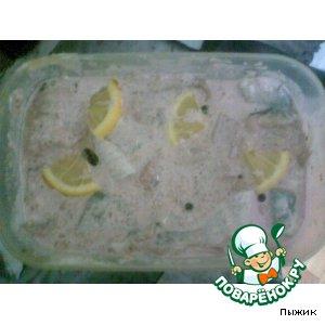 Пресервы с сельдью в розовом майонезе (рецепт №3 )