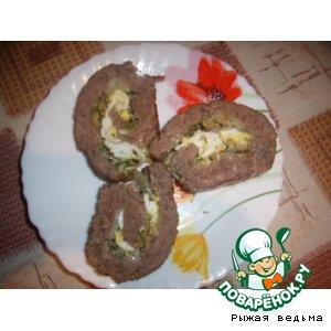 Мясной рулет с яично-оливковой начинкой
