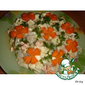 Салат грибной с сельдью и овощами