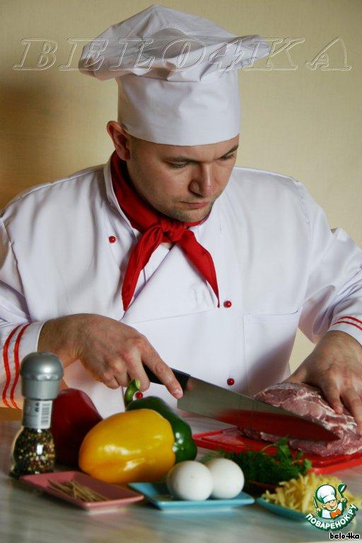 Итак, приготовим продукты и нарежем свинину стейками толщиной около полутора сантиметров.