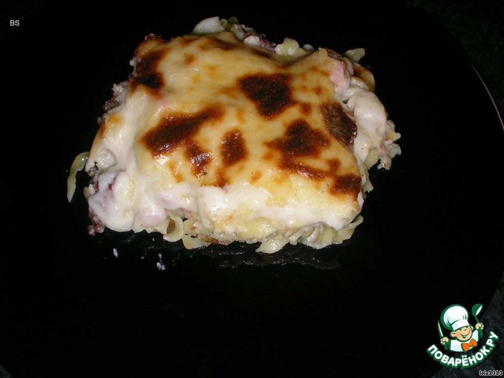 """Крем ещё используется в следующих греческих блюдах: МУСАКАС - запеканка с баклажанами, картофелем, обжаренным мясным фаршем со специями, крем """"Бесамель"""";    ПАСТИЦИО - запеканка с макаронами (толстые, круглые, длинные с дырочкой), мясной фарш, крем.    Приятного всем аппетита! :)"""