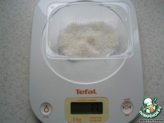 Затем сахар.    17 г или 1 ст. л. с горкой.