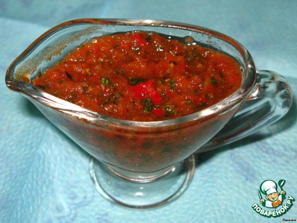 При подаче выкладываем приправу в соусницу и подаем.    Думаю, что эта приправа неплохо подойдет для маринования, а также будет хорошим дополнением к супам.