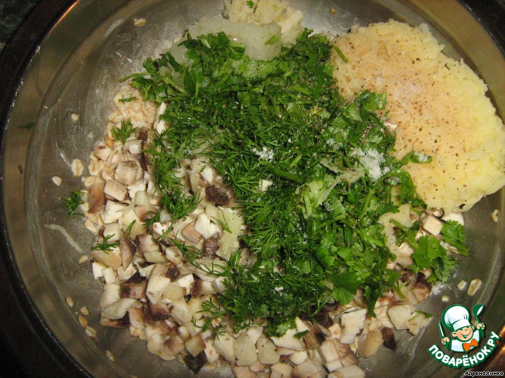 К набухшей овсянке добавить картофель, лук, чеснок, грибы и зелень -массу хорошо перемешать, посолить и поперчить.