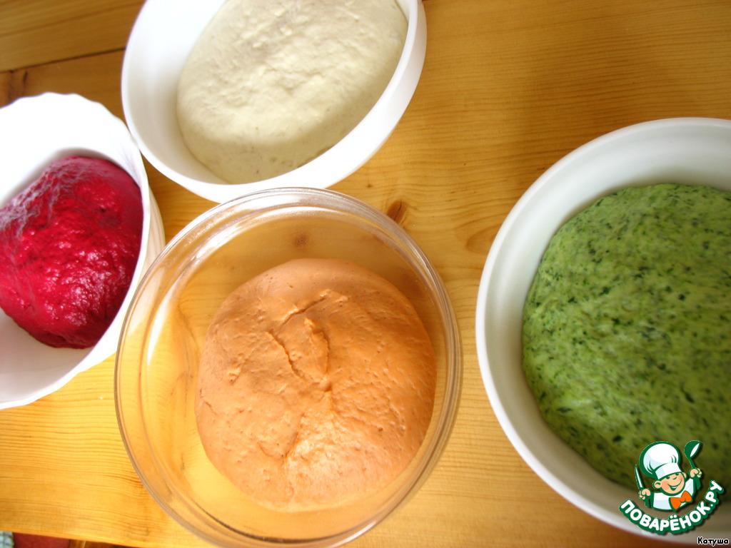 Тесто увеличилось в 2 раза за минут 40. Далее начинаем ваять наш хлеб.