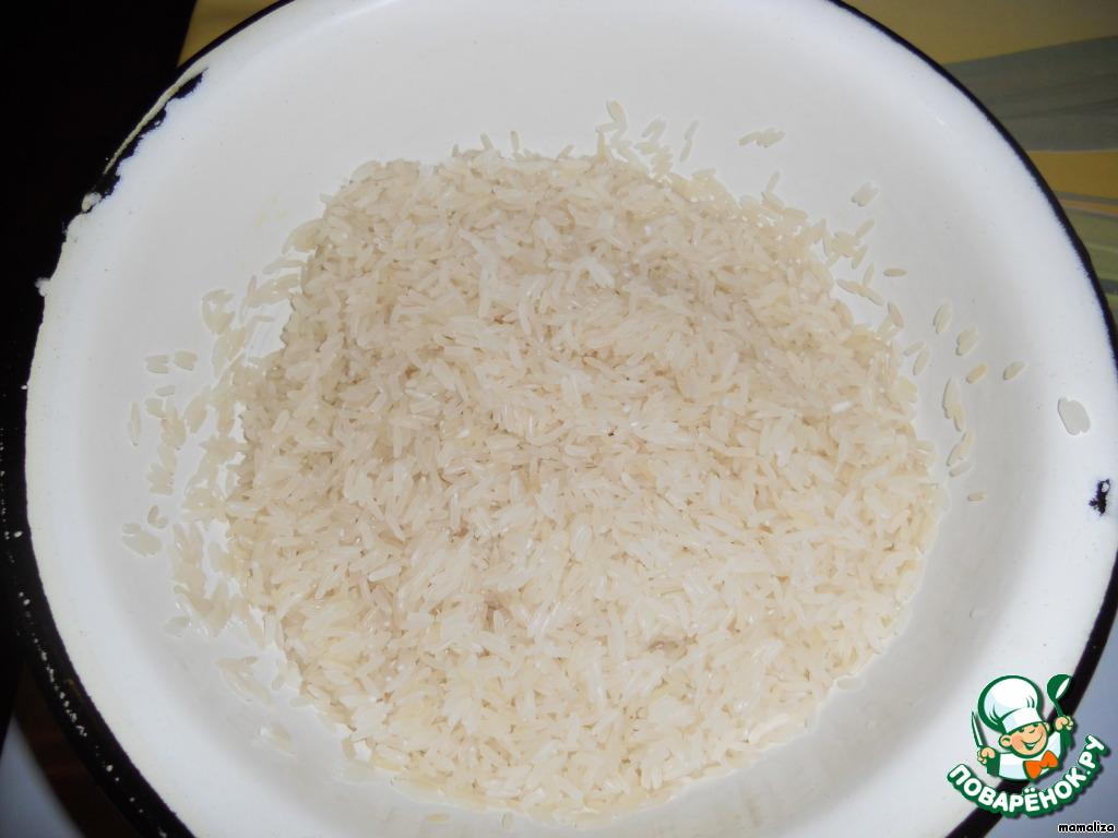 Первое и очень важное правило: рис нужно очень хорошо промыть. Японцы промывают рис в 6-ти водах. Я тоже всегда так делаю. Последняя вода должна быть прозрачной!