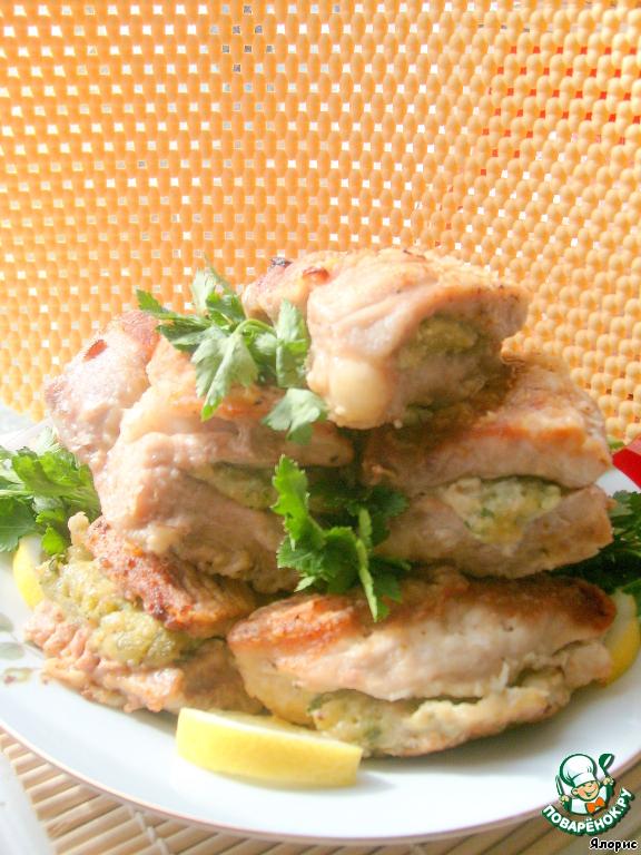 Нереально вкусное, нежное, ароматное мясо с чудесной начинкой!   Готовьте с удовольствием!
