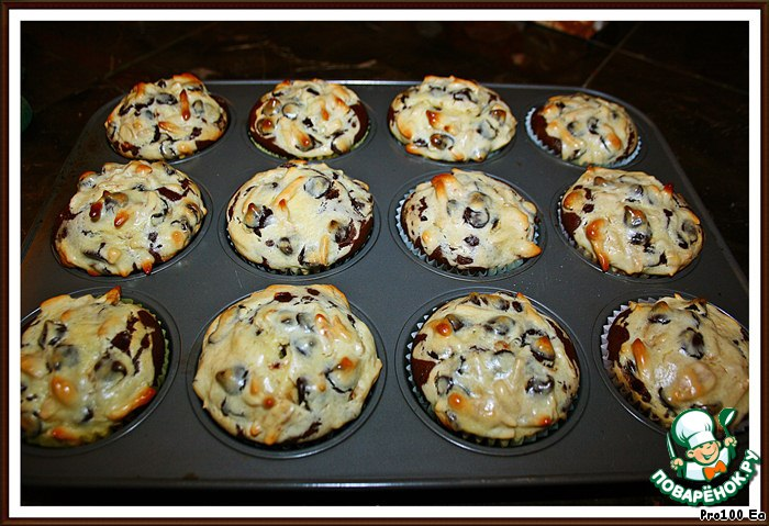 Отправляем кексы в духовку при 175°С минут на 30.