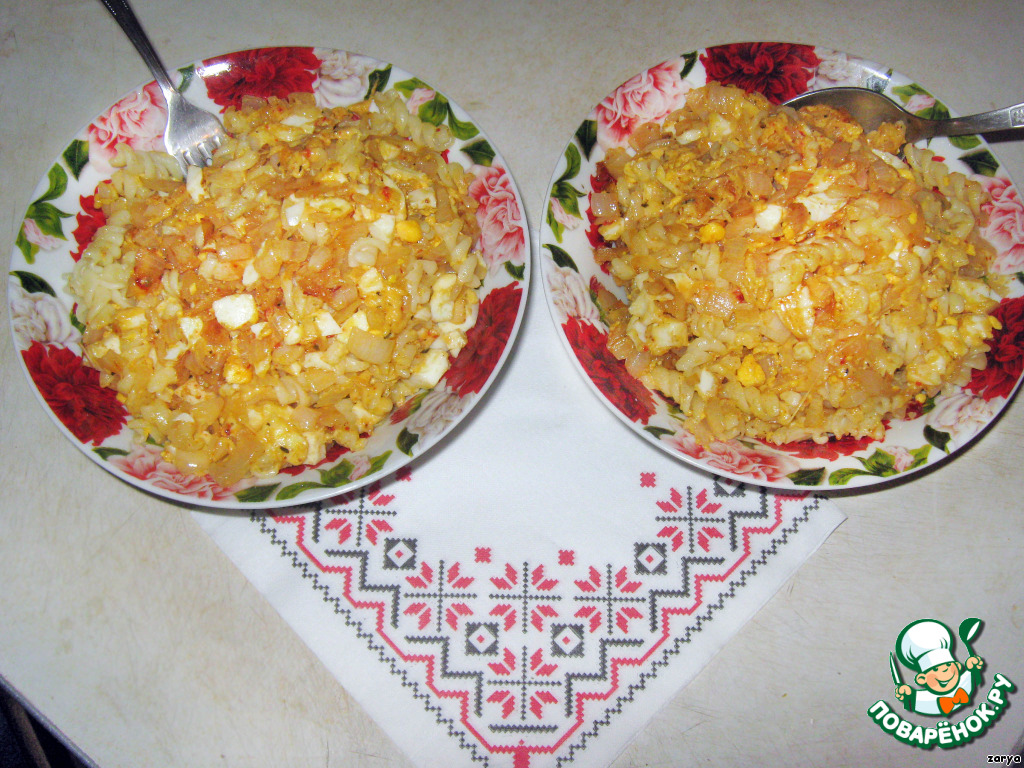 Затем добавить отваренные в соленой воде макароны и перемешать.   Приятного аппетита!