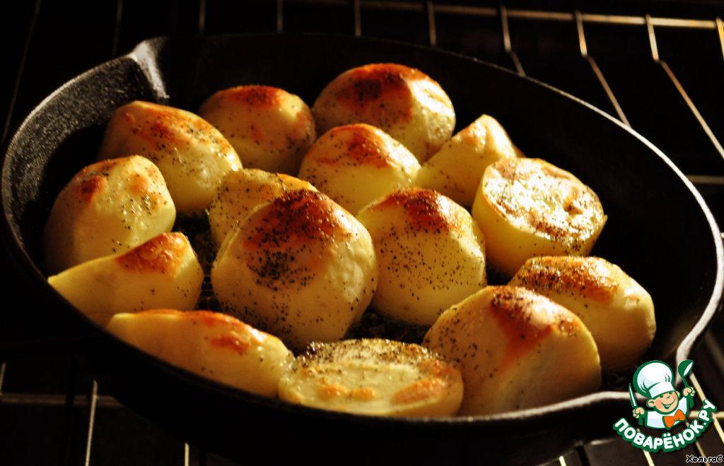 Запекаем в духовке 40 минут до образования корочки, в эти 40 минут можно накрывать на стол или заниматься приготовлением блюд далее...