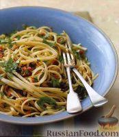 Спагетти с соусом из анчоусов, помидоров и оливок