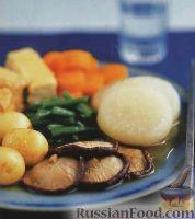 Тайское овощное рагу с грибами и тофу