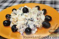 Яичный салат с оливками и сухариками