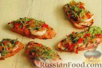 Бутерброды с креветками и огуречным салатом