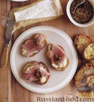 Бутерброды с  сыром бри и ветчиной