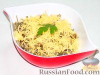 Салат с морской капустой, шампиньонами и сыром