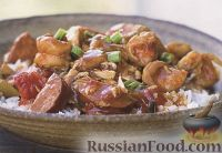 Соус-рагу с креветками и копчеными колбасками