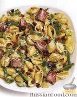 Теплый салат из макарон с мясом и овощами