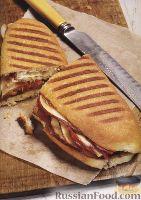Сэндвич с колбасой, грушей и сыром