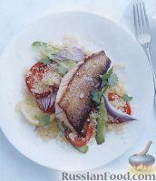 Жареная рыба с салатом из кус-куса