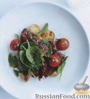 Салат из печеного картофеля, помидоров и стейков