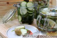 Острый маринованный салат из огурцов
