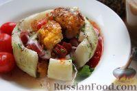 Кольраби с колбаской, томатами и яйцом