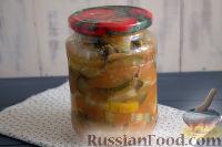 Салат «Татарская песня» из кабачков в остром маринаде