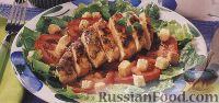 """Салат """"Цезарь"""" с куриным филе, приготовленным на гриле"""