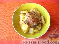 Запеченный картофель с куриными бедрышками (в рукаве)