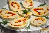 Куриный рулет с сыром и перцем (в духовке)