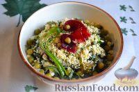 Салат из морской капусты с зеленым горошком и яйцом
