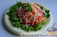Салат из свежей капусты, сладкого перца и редьки