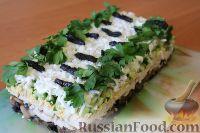Слоеный салат «Белая береза» с курицей и черносливом