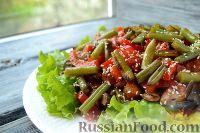 Теплый салат с куриным филе и грибами